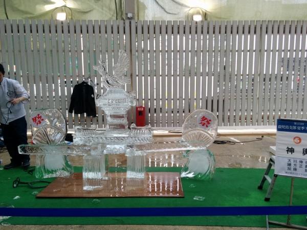 氷の彫刻で鹿児島の猛暑を涼もう(賃貸会社ゼロハウスより)