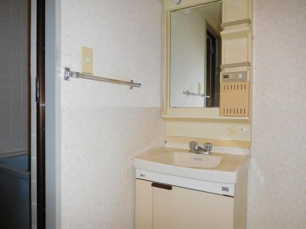 A&Tビル402号室22