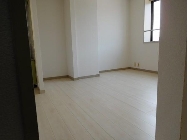 A&Tビル603号室28