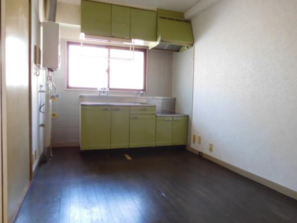 A&Tビル401号室3